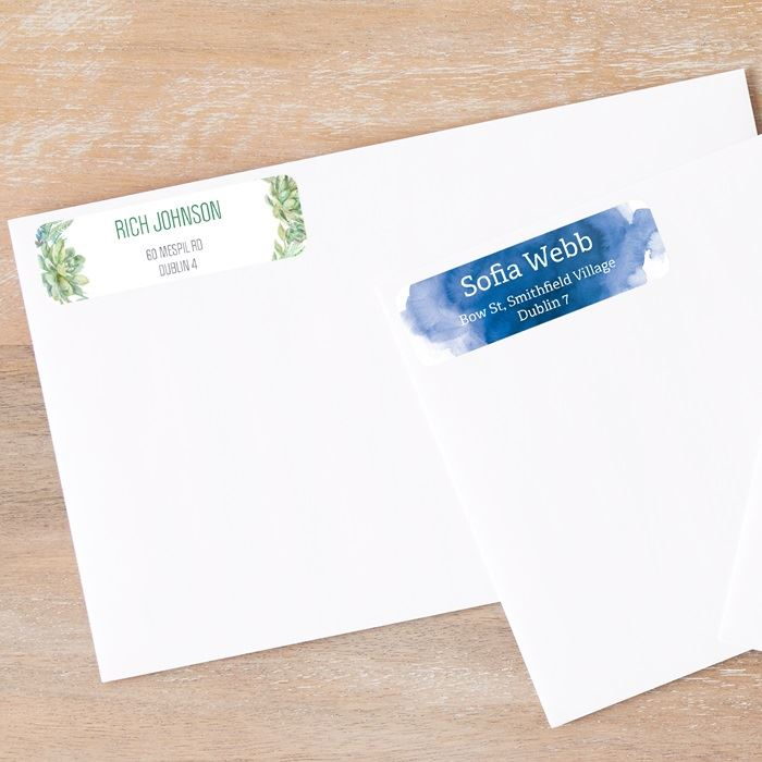 Personalise the Vistaprint return address labels to make your business letters more professional. Choose one of our templates or upload your design.